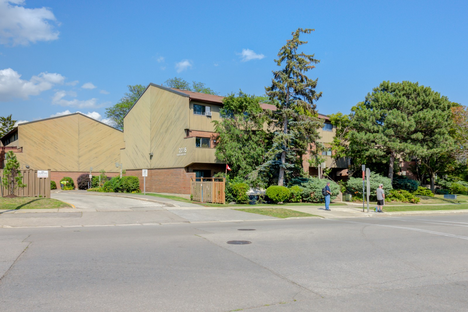 2035 South Millway Townhouses at 2035 South Millway, Mississauga 0
