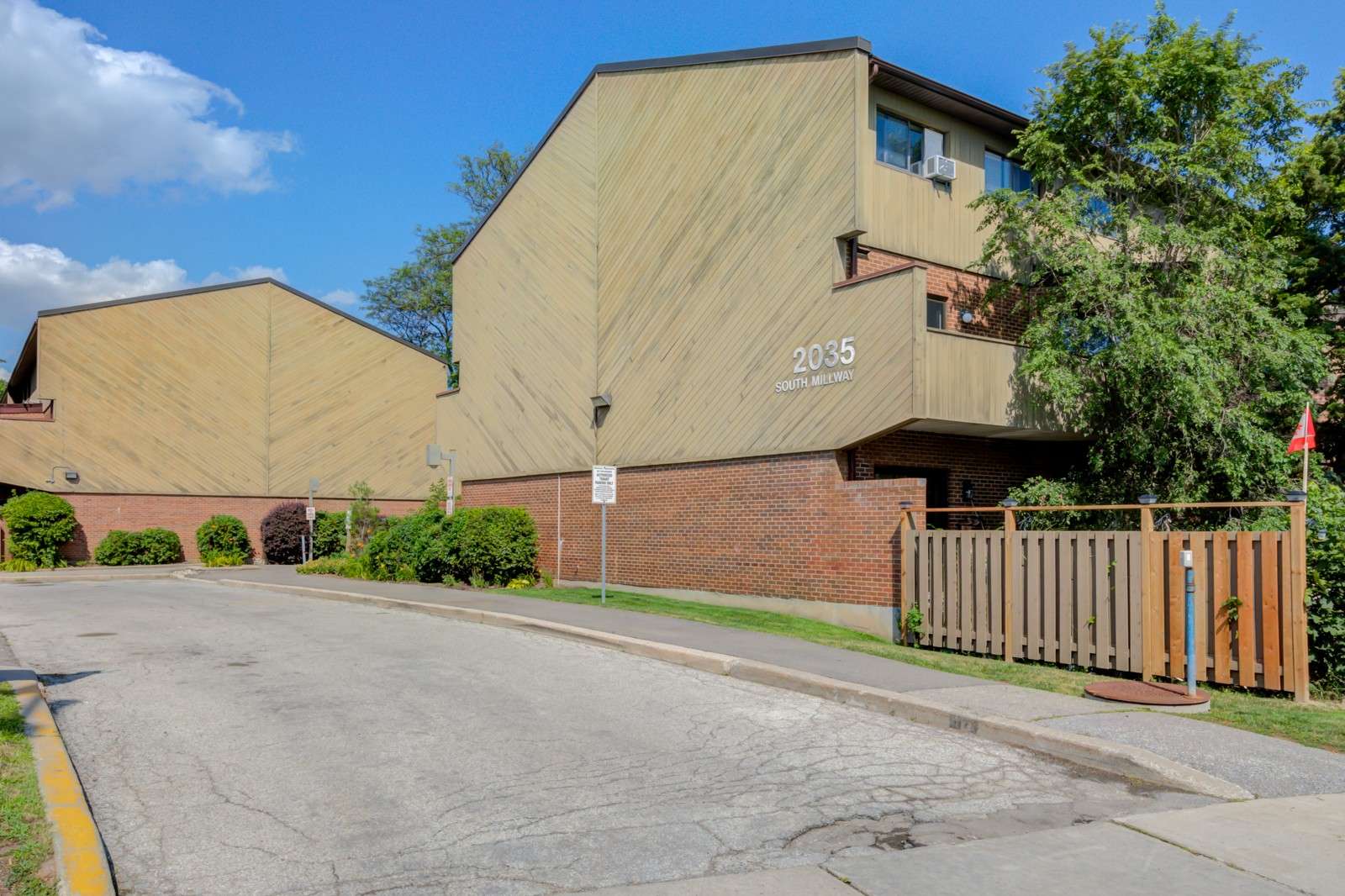 2035 South Millway Townhouses at 2035 South Millway, Mississauga 1