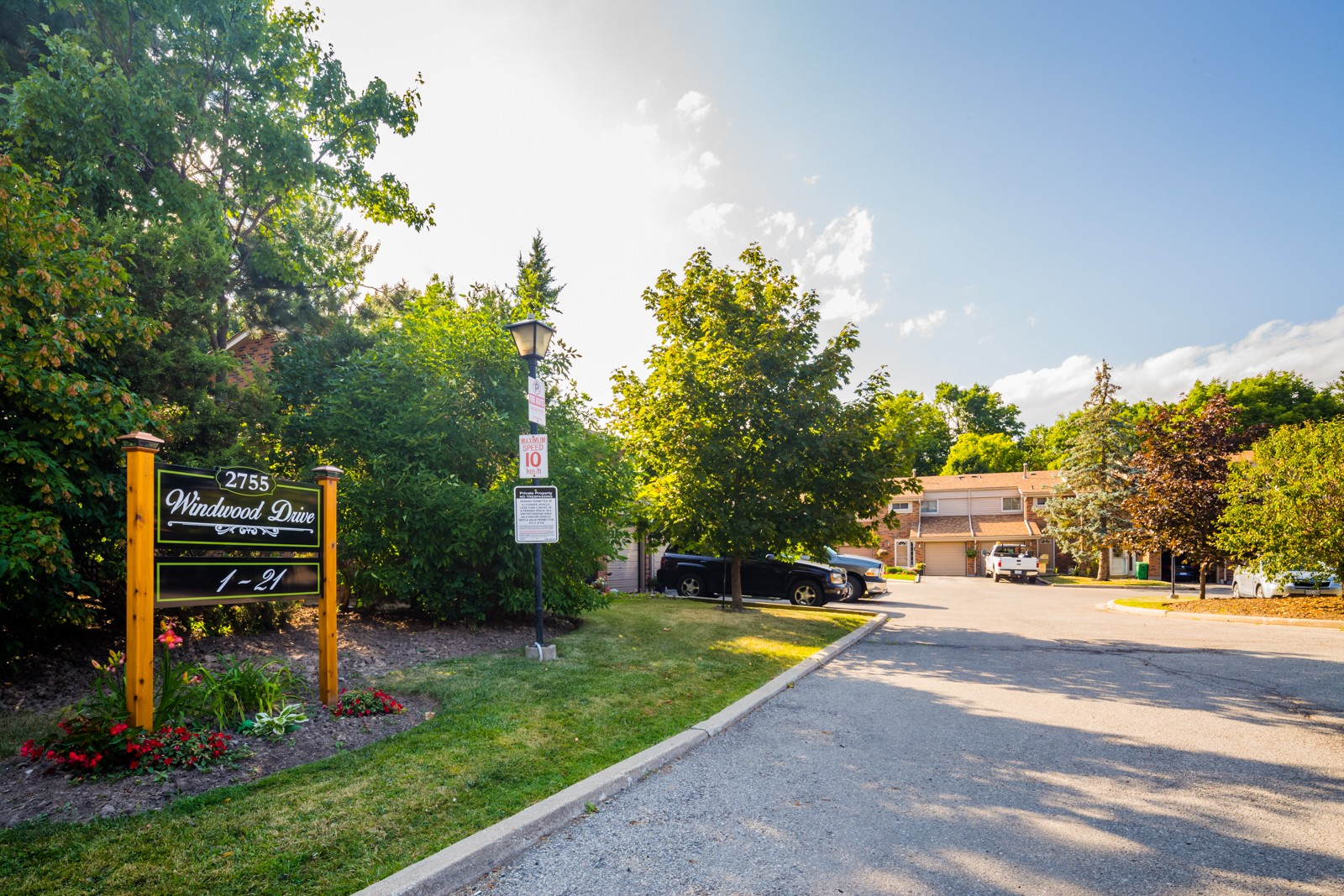 2755 Windwood Townhouses at 2755 Windwood Dr, Mississauga 1