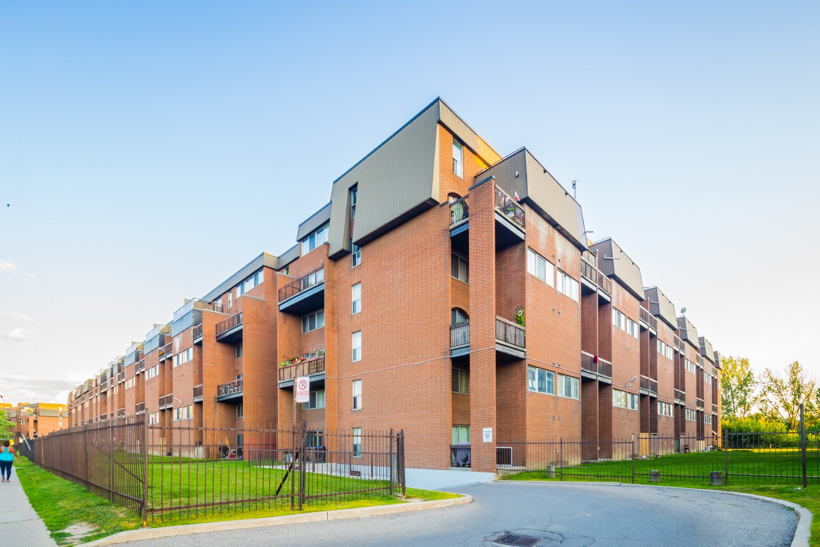 7230 Darcel Townhouses at 7230 Darcel Ave, Mississauga 0
