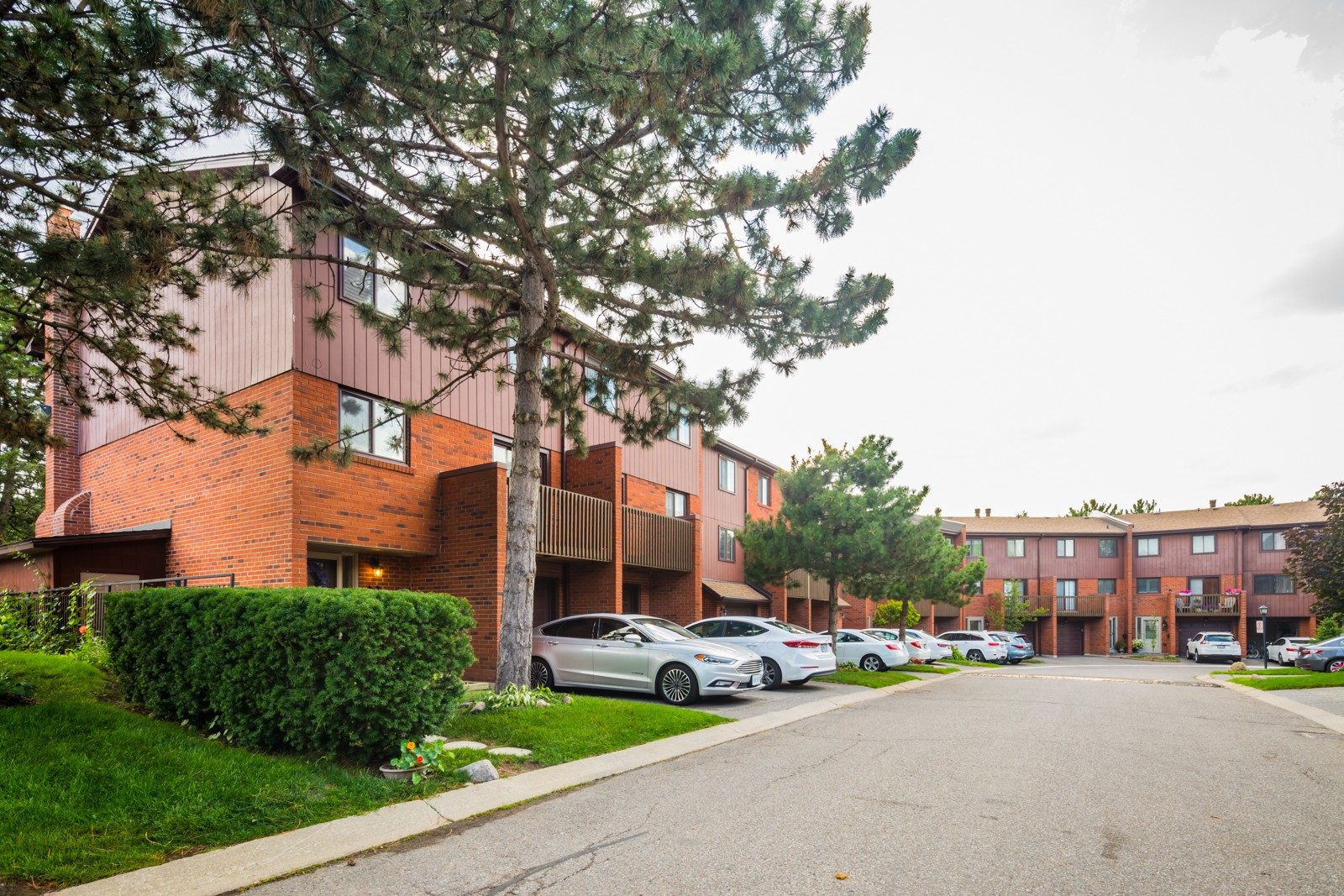 4165 Fieldgate Drive Townhouses at 4165 Fieldgate Dr, Mississauga 1