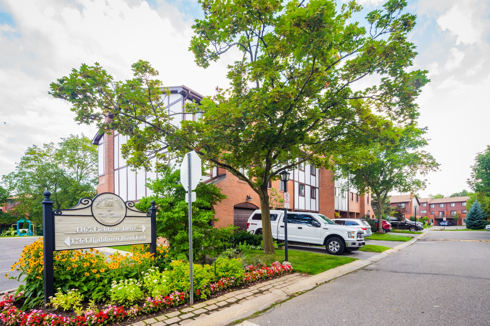 4165 Fieldgate Drive Townhouses at 4165 Fieldgate Dr, Mississauga 0