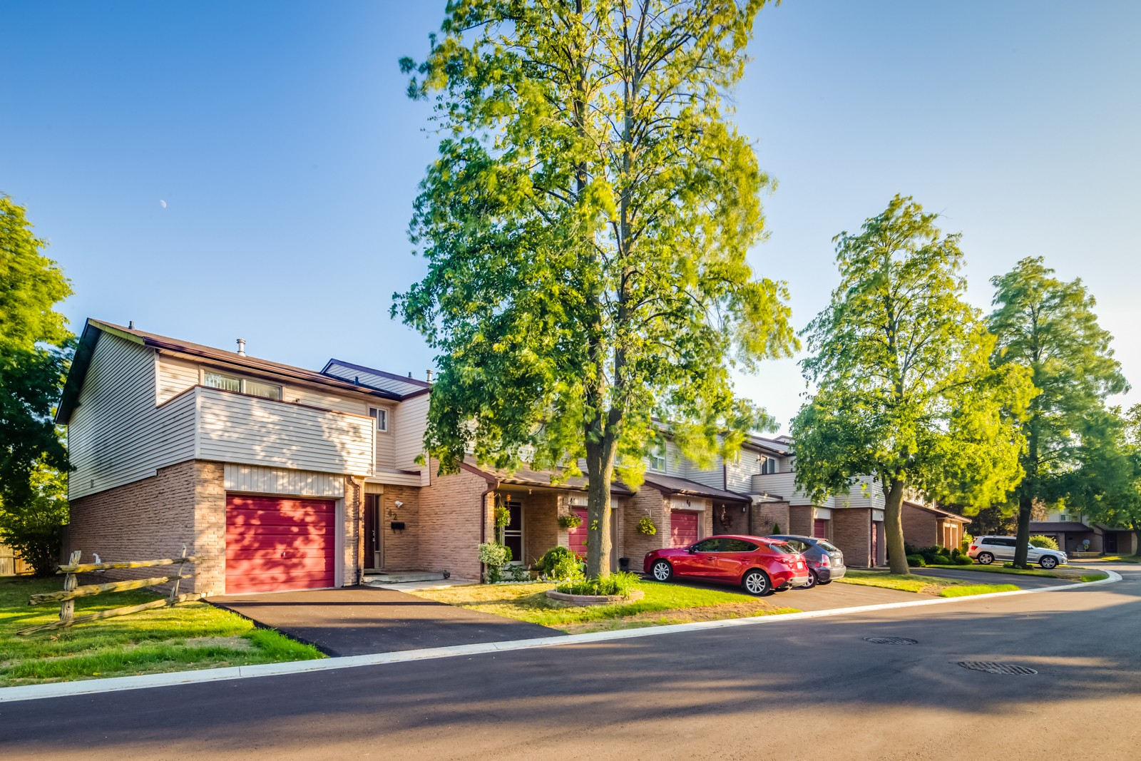 6100 Montevideo Townhouses at 6100 Montevideo Rd, Mississauga 1