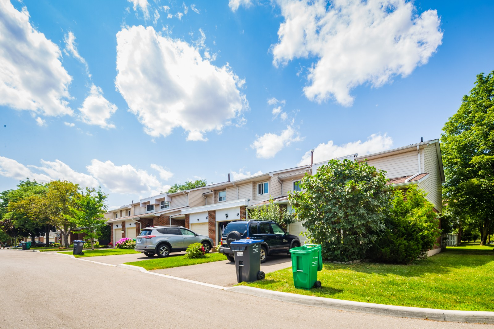 525 Meadows Boulevard Townhouses at 525 Meadows Blvd, Mississauga 1