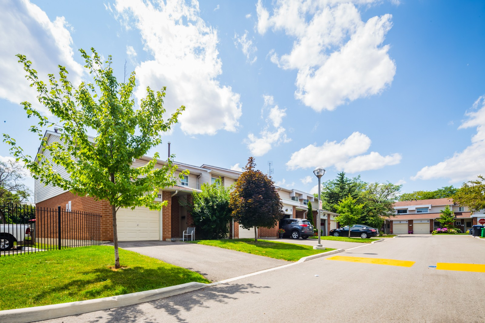 525 Meadows Boulevard Townhouses at 525 Meadows Blvd, Mississauga 0