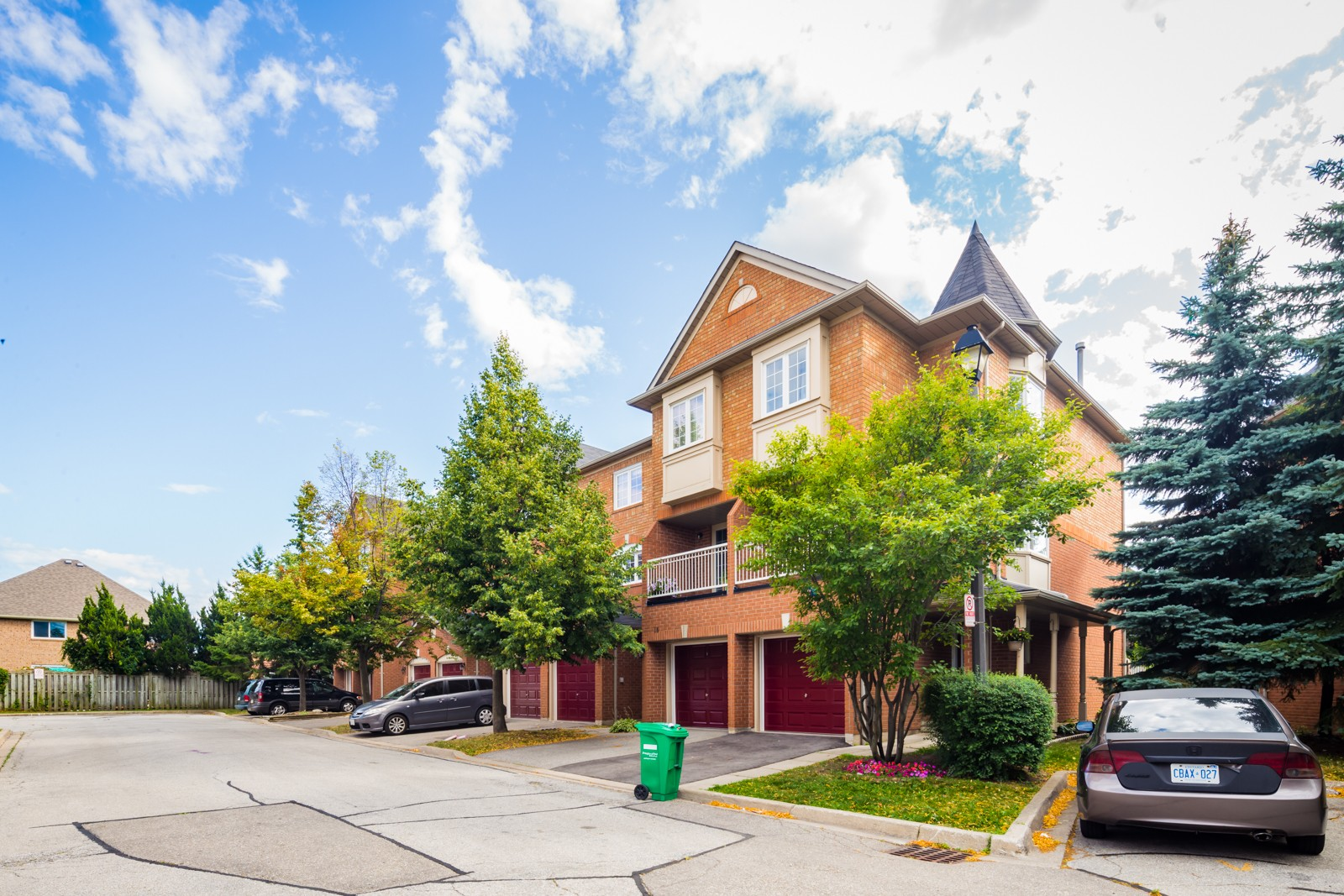 6950 Tenth Line West Townhouses at 6950 Tenth Line W, Mississauga 1