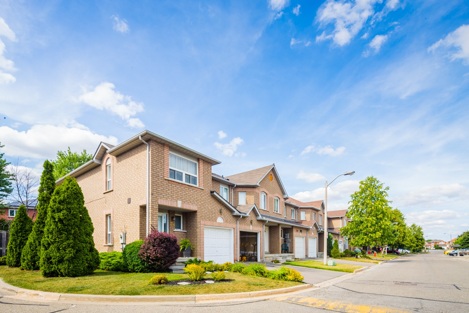 200 Cresthaven Road Townhouses at 200 Cresthaven Rd, Brampton 0