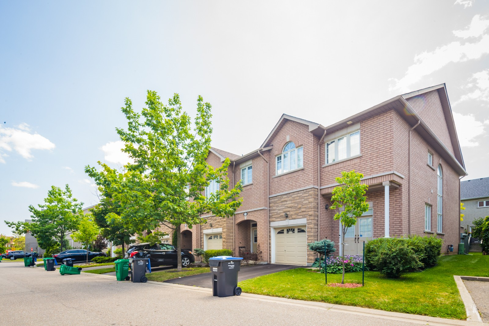 470 Faith Drive Townhouses at 470 Faith Dr, Mississauga 1
