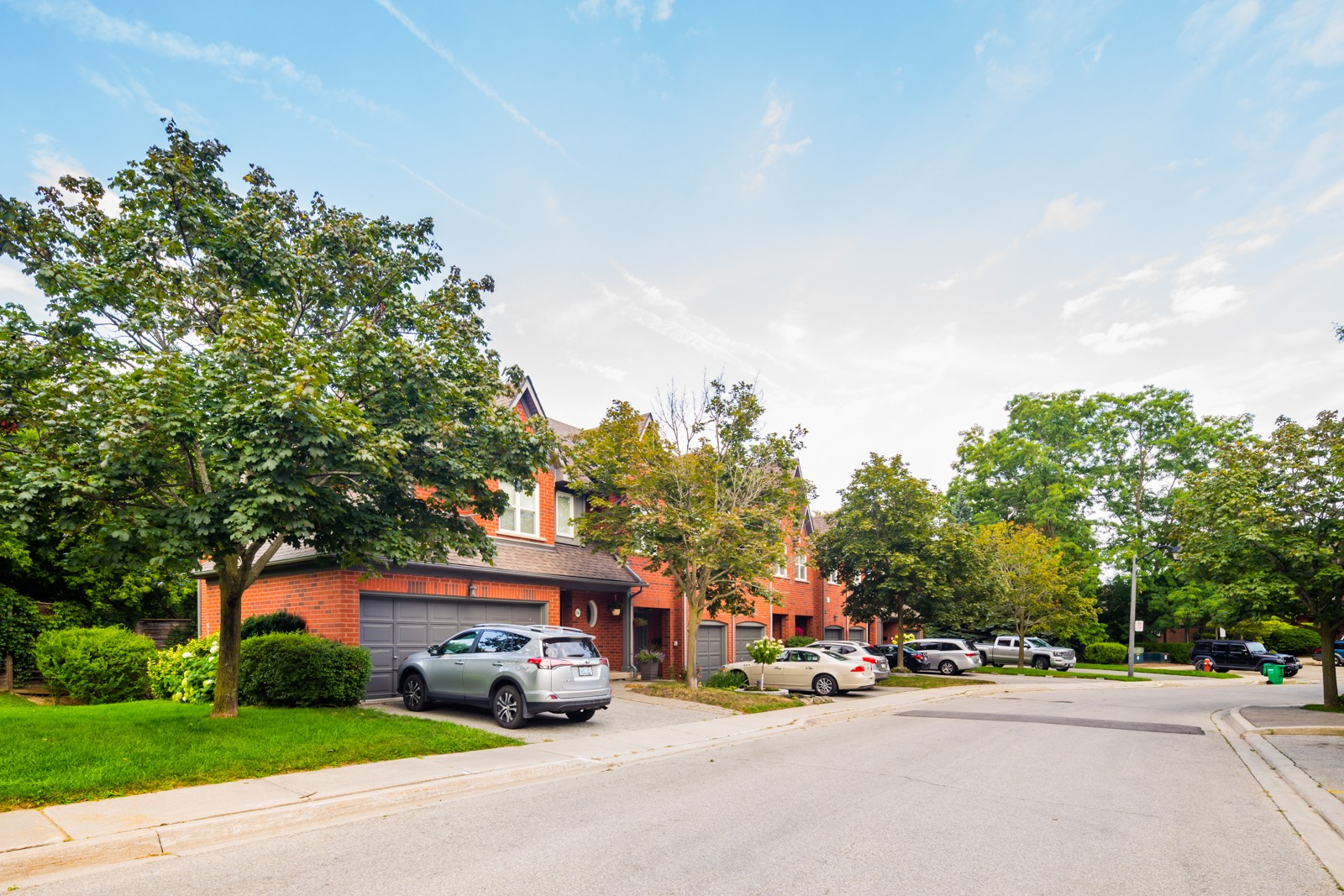 1064 Queen Street West Townhouses at 1064 Queen St W, Mississauga 1