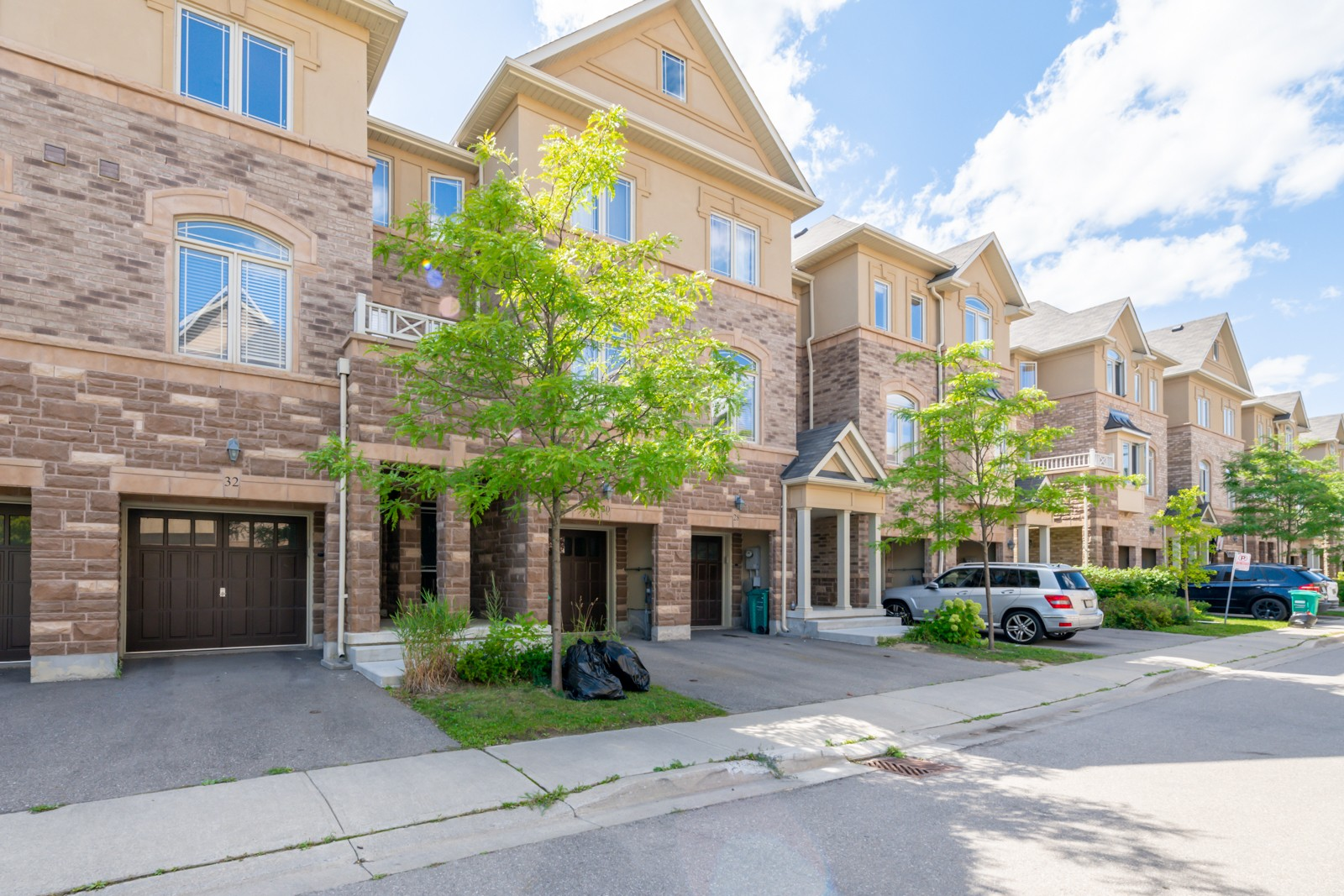 6625 Falconer Drive Townhouses at 6625 Falconer Dr, Mississauga 1