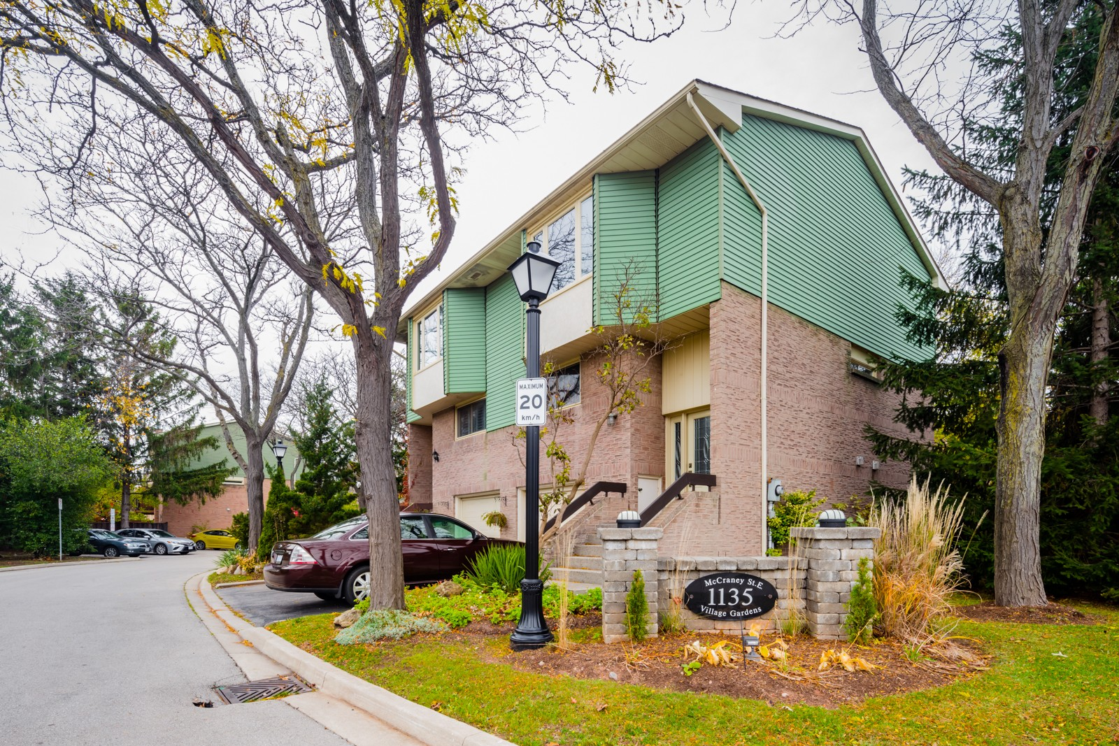 Village Gardens at 1135 McCraney St E, Oakville 0