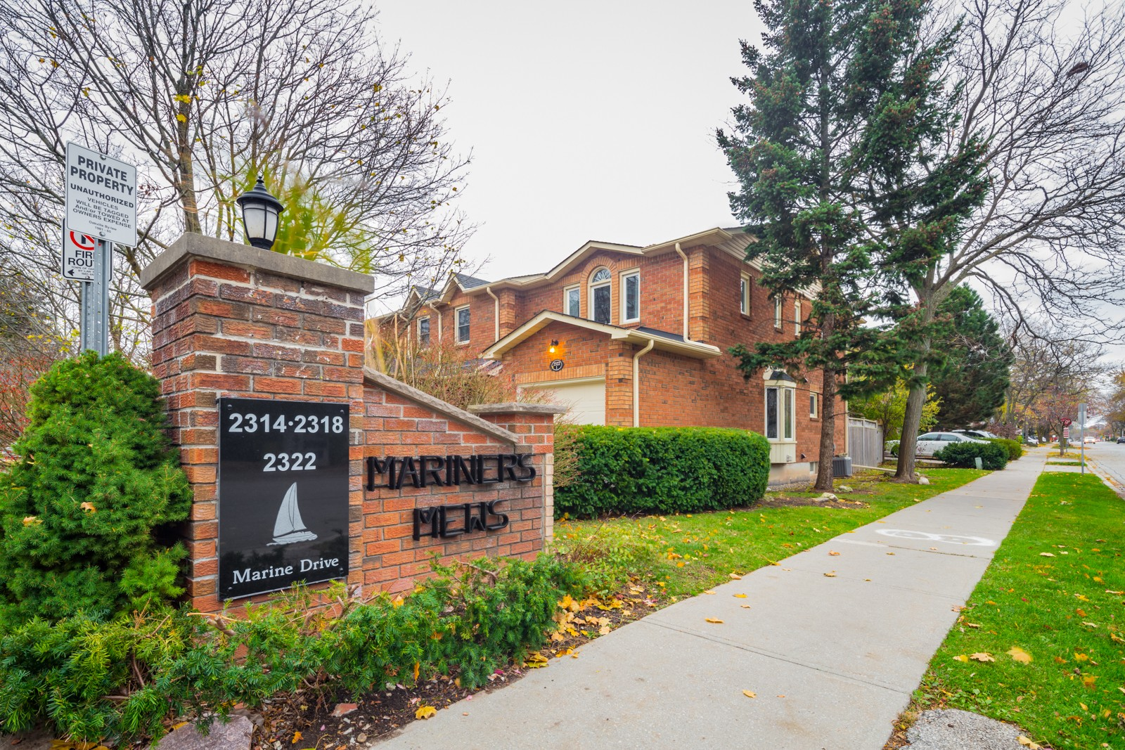 Mariners Mews at 2314 Marine Dr, Oakville 0