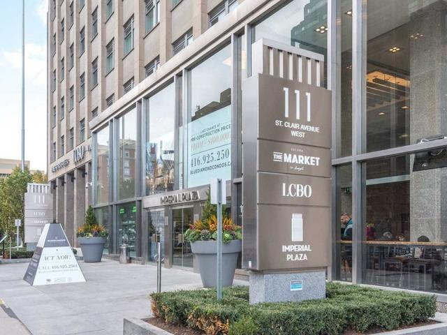 1002 - 111 St Clair Ave W