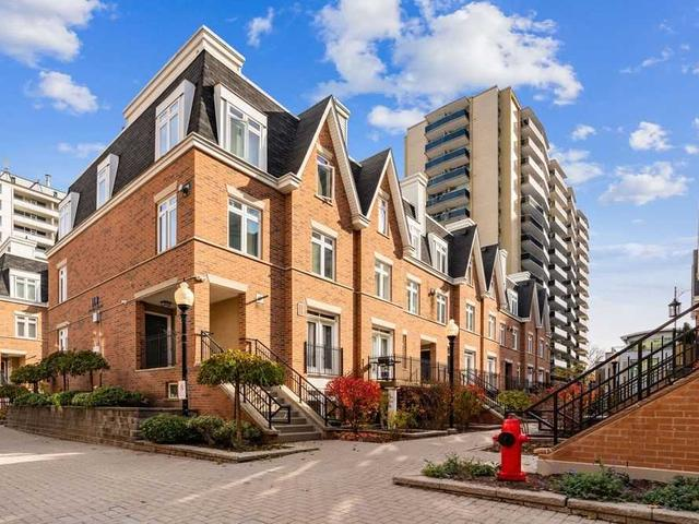 19 - 100 Redpath Ave