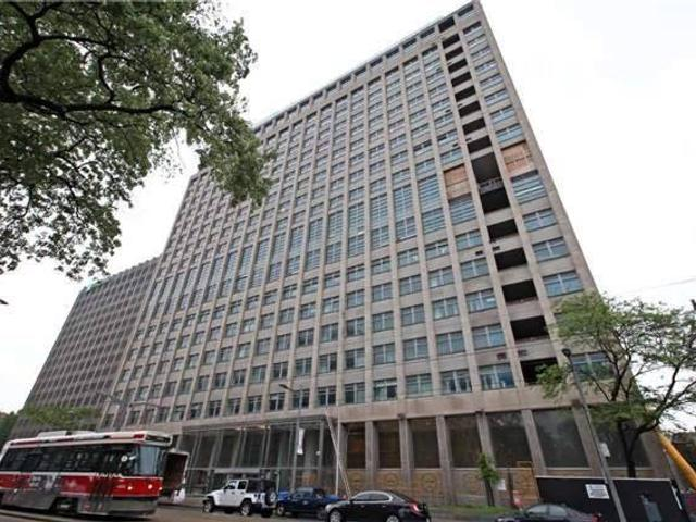 428 - 111 St Clair Ave W