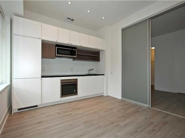 328 - 111 St Clair Ave W