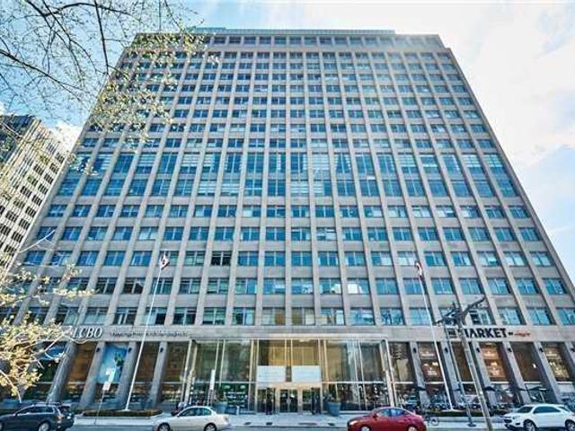 1223 - 111 St Clair Ave W