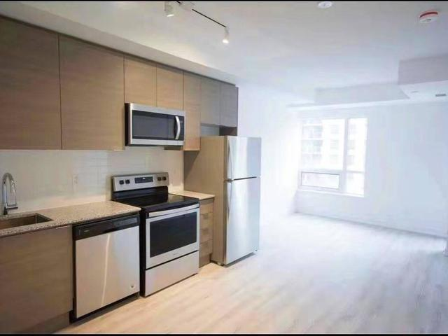 523 - 621 Sheppard Ave