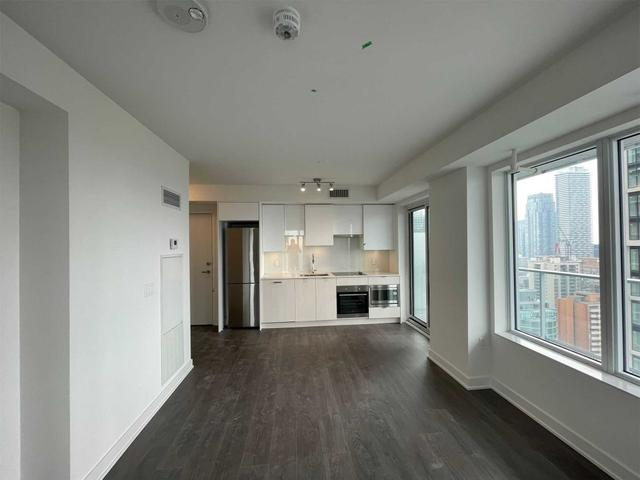 2610 Nt - 99 Broadway Ave
