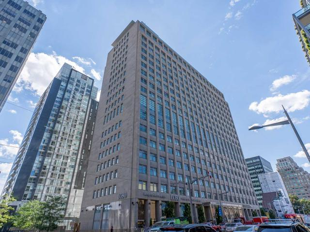 619 - 111 St Clair Ave W