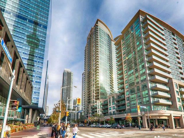 3206 - 30 Grand Trunk Cres