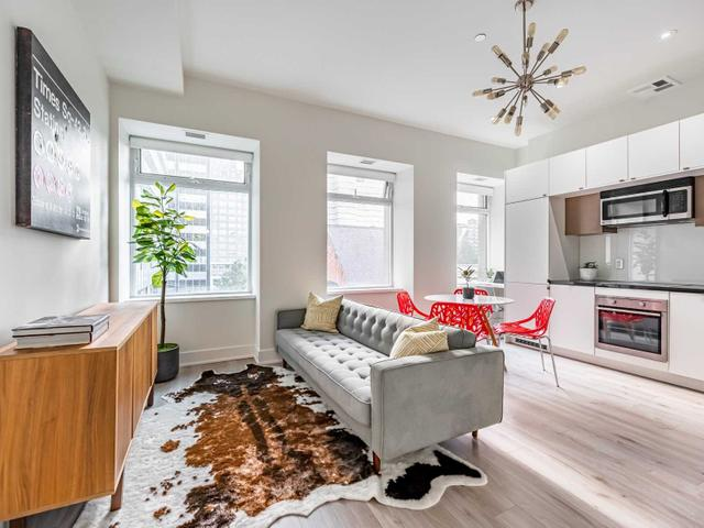 420 - 111 St Clair Ave