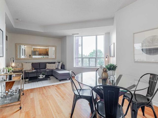 401 - 455 Rosewell Ave