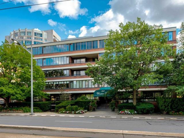 403 - 349 St Clair Ave W