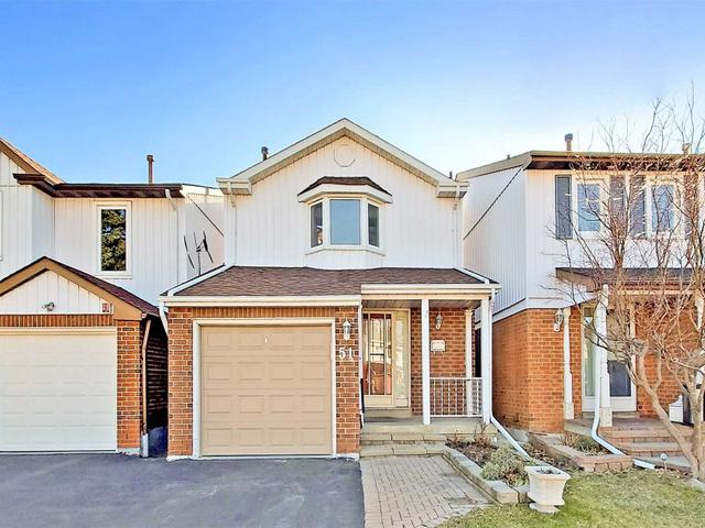 51 Eagleview Cres