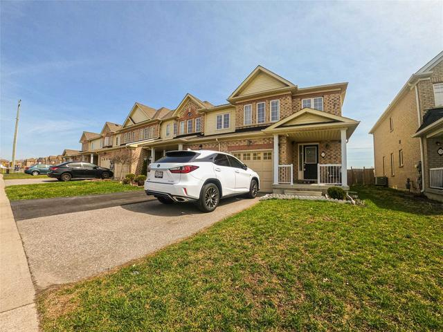 123 Dewell Cres