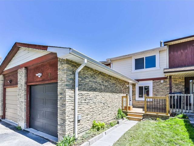 21 Red River Cres