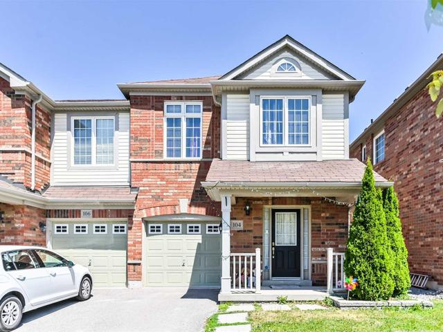 104 Richard Coulson Cres