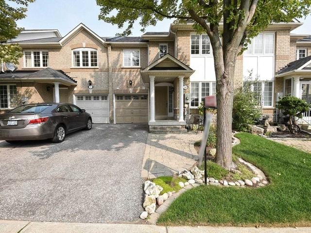80 Red River Cres S