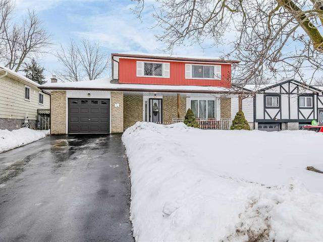 14 Colbeck Cres