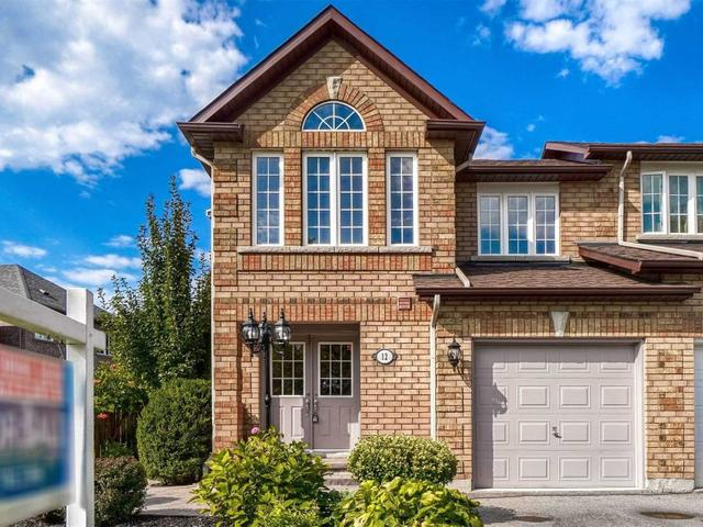 12 Bloomgate Cres