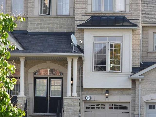 19 White Spruce Cres