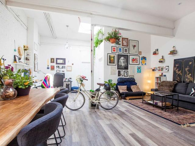 202 - 137 Roncesvalles Ave