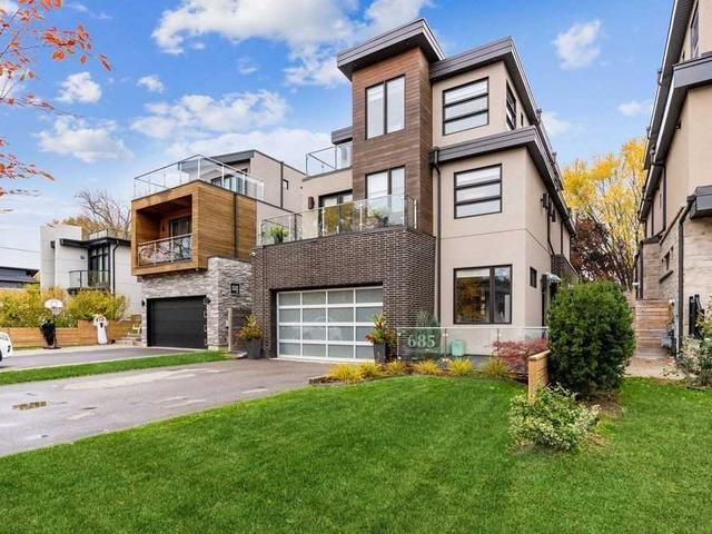 685 Montbeck Cres