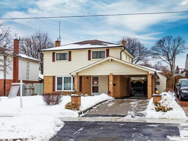 5 Ringway Cres