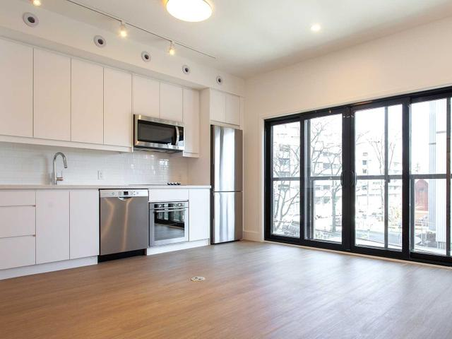 5 - 415 Roncesvalles Ave