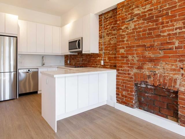 4 - 415 Roncesvalles Ave