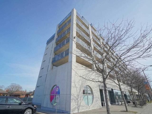 206 - 1050 The Queensway Ave