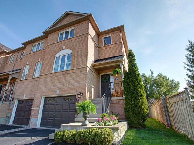 2503 Gill Cres
