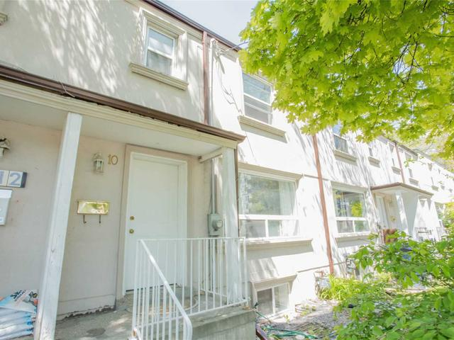 10 Sandcliff Rd