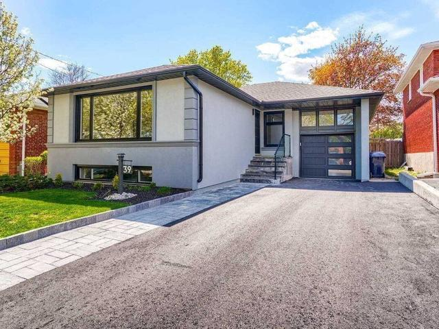 39 Rowse Cres