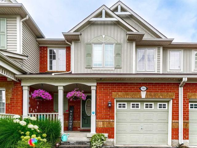 793 Howden Cres