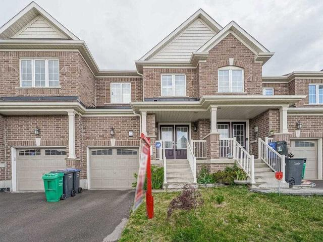 472 Queen Mary Dr