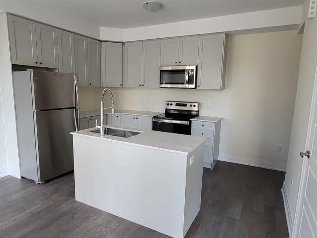 84 - 721 Lawrence Ave W