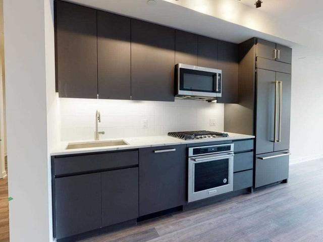 307 - 430 Roncesvalles Ave