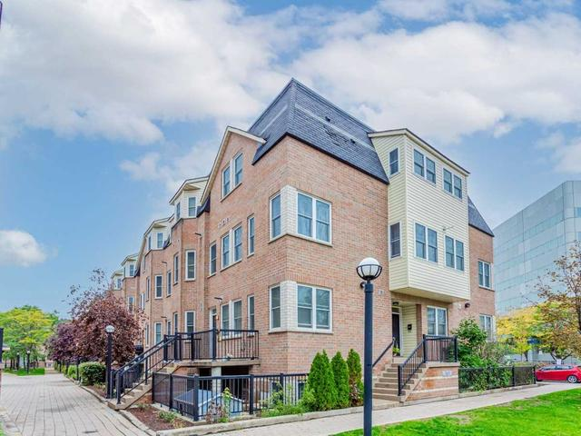 235 - 760 Lawrence Ave W